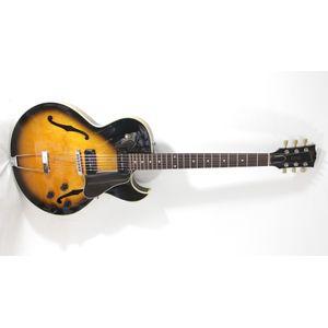 Guitarra-Gibson-ES-135-Sunburst--Usada-