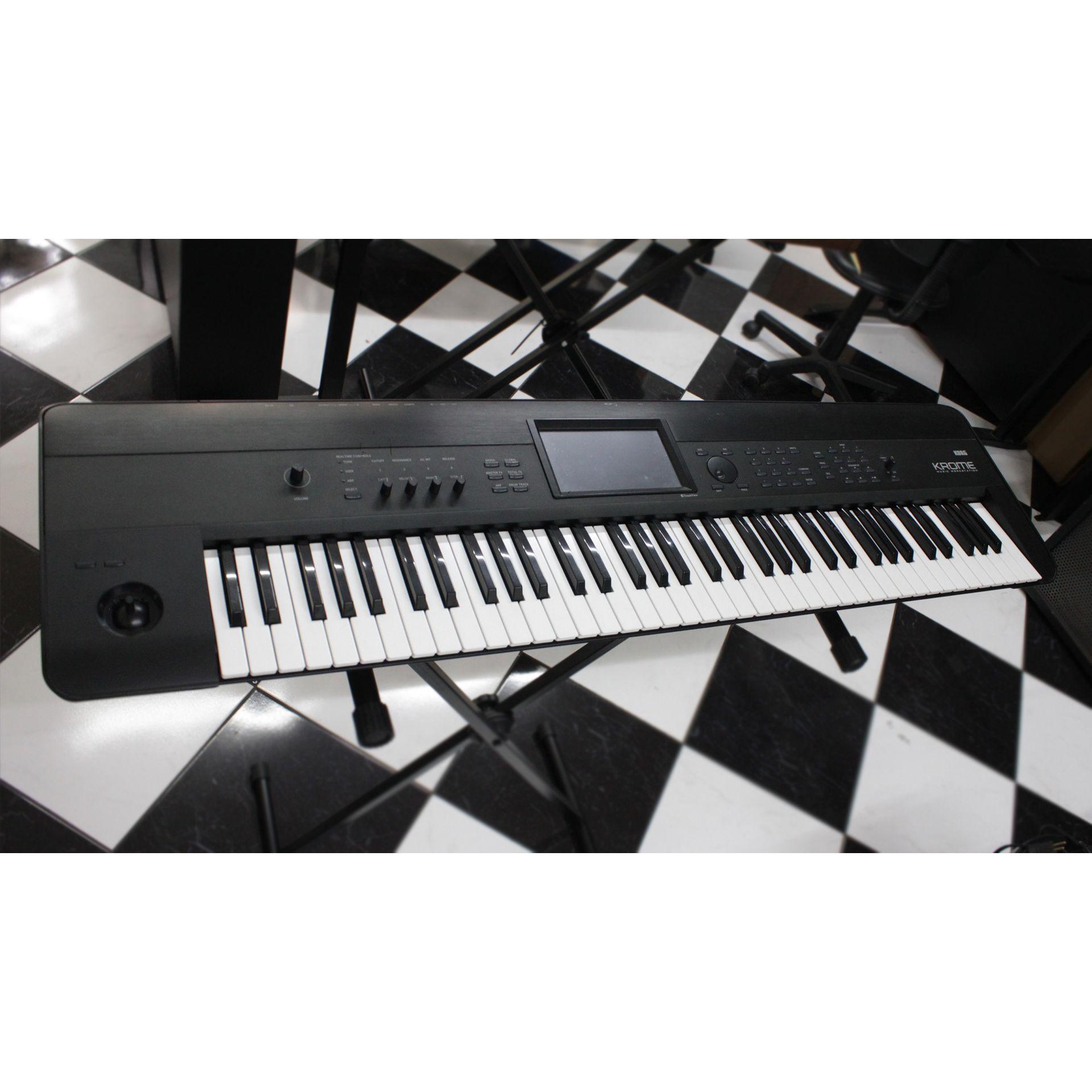TECLADO KORG KROME 73 TECLAS USADO - X5Music
