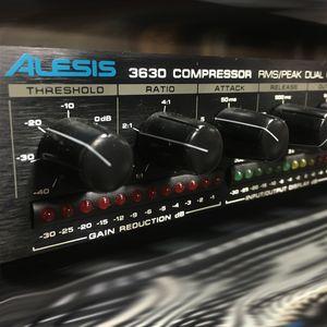 COMPRESSOR-ALESIS-3660-USADO-1