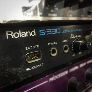 SAMPLER-ROLAND-S-330-USADO-3
