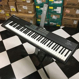 PIANO-KURZWEIL-SP-76-TECLAS-USADO-off