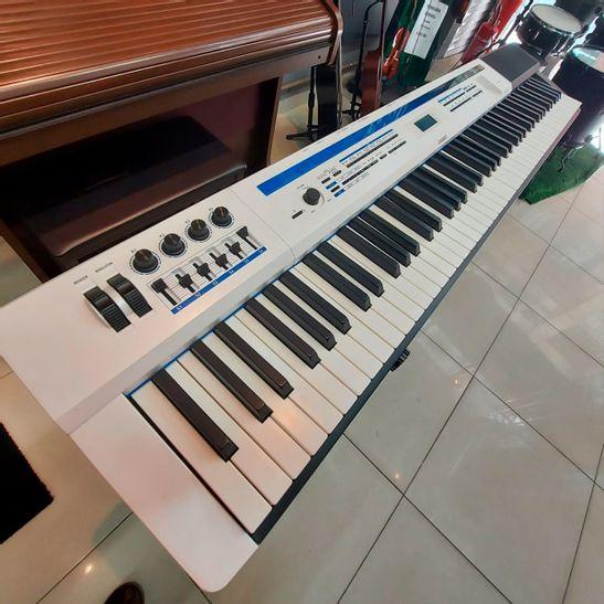 PIANO-CASIO-PX-5S-USADO-1